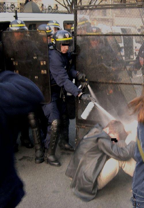 Flics  de banlieue POLICE TVrip avi preview 1
